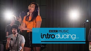 EUROPESE OMROEP | BBC Music | RIKA - Honest / Feeling Good (BBC Music Introducing session) | 1518609712 2018-02-14T12:01:52+00:00