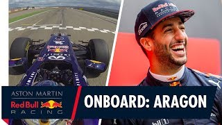 EUROPESE OMROEP | Aston Martin Red Bull Racing | On Board with Daniel Ricciardo for some tyre melting action at Aragón | 1518602405 2018-02-14T10:00:05+00:00