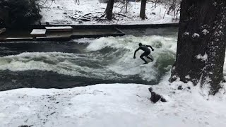 EUROPESE OMROEP | AFP news agency | Surf's up on Munich's man-made Eisbach river | 1519147080 2018-02-20T17:18:00+00:00
