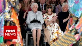 EUROPESE OMROEP | BBC News | The Queen on the 'frow' at London Fashion Week - BBC News | 1519202164 2018-02-21T08:36:04+00:00