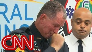 EUROPESE OMROEP | CNN | Officer brought to tears recounting school shooting | 1519408222 2018-02-23T17:50:22+00:00
